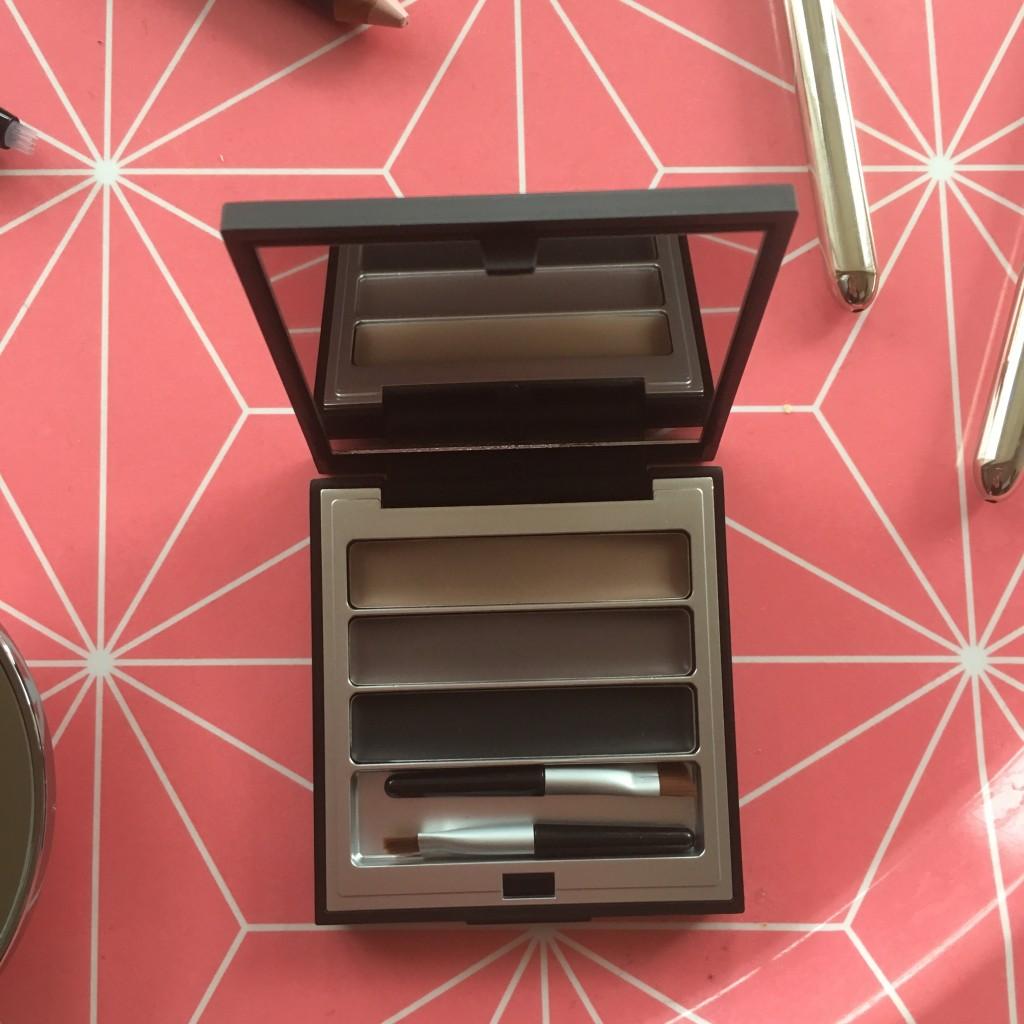 Shavata brow studio brow kit brow perfector
