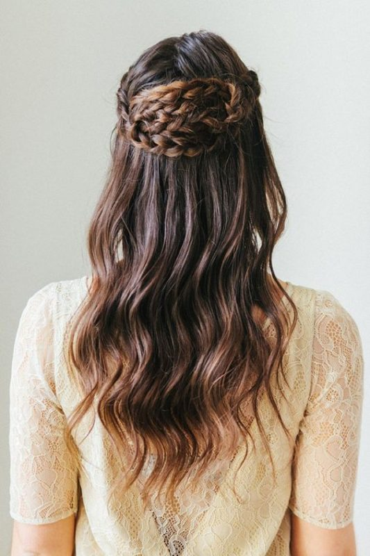 bridal inspiration of half up, half down hair styles