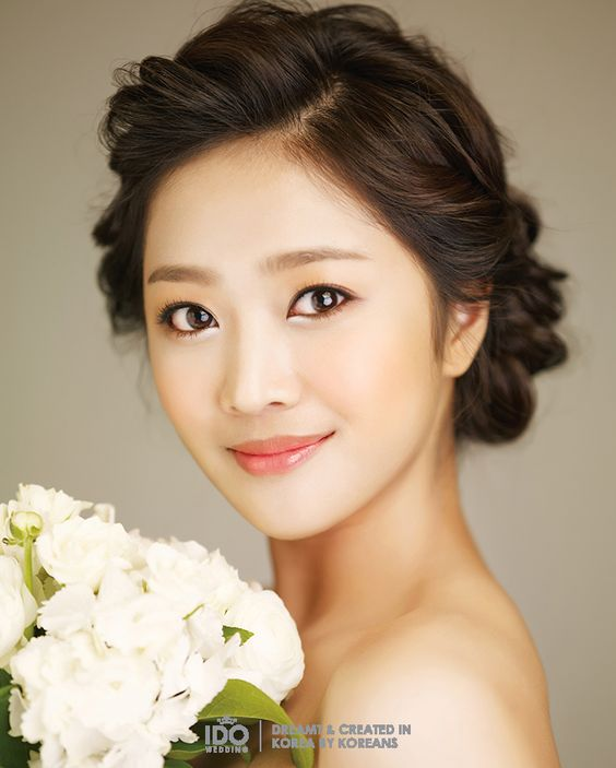 Asian Wedding Hairstyle: East Asian Bridal Makeup